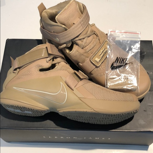 best loved 941ca 8dffb Nike LeBron soldier IX PRM 749490 222 size 10